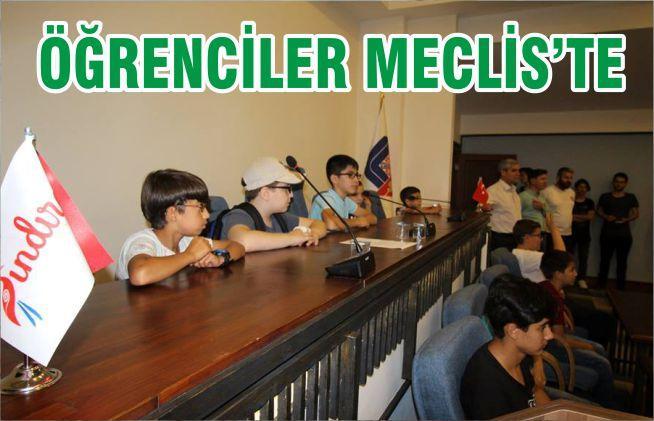 ÖĞRENCİLER MECLİS'TE